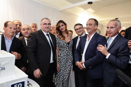 #Virgilio, 50 anni con #Belen al modico #costo di 50.000 euro