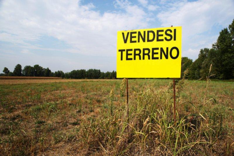 Terreni: crollano le #vendite, boom degli #affitti