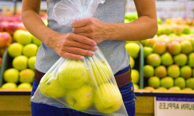 Prima le Banche con la Boschi, ora i sacchetti di plastica con la Bastioli